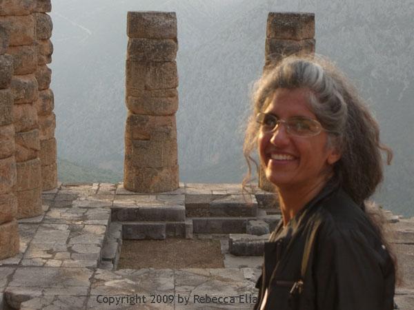 temple-of-apollo-delphi.jpg